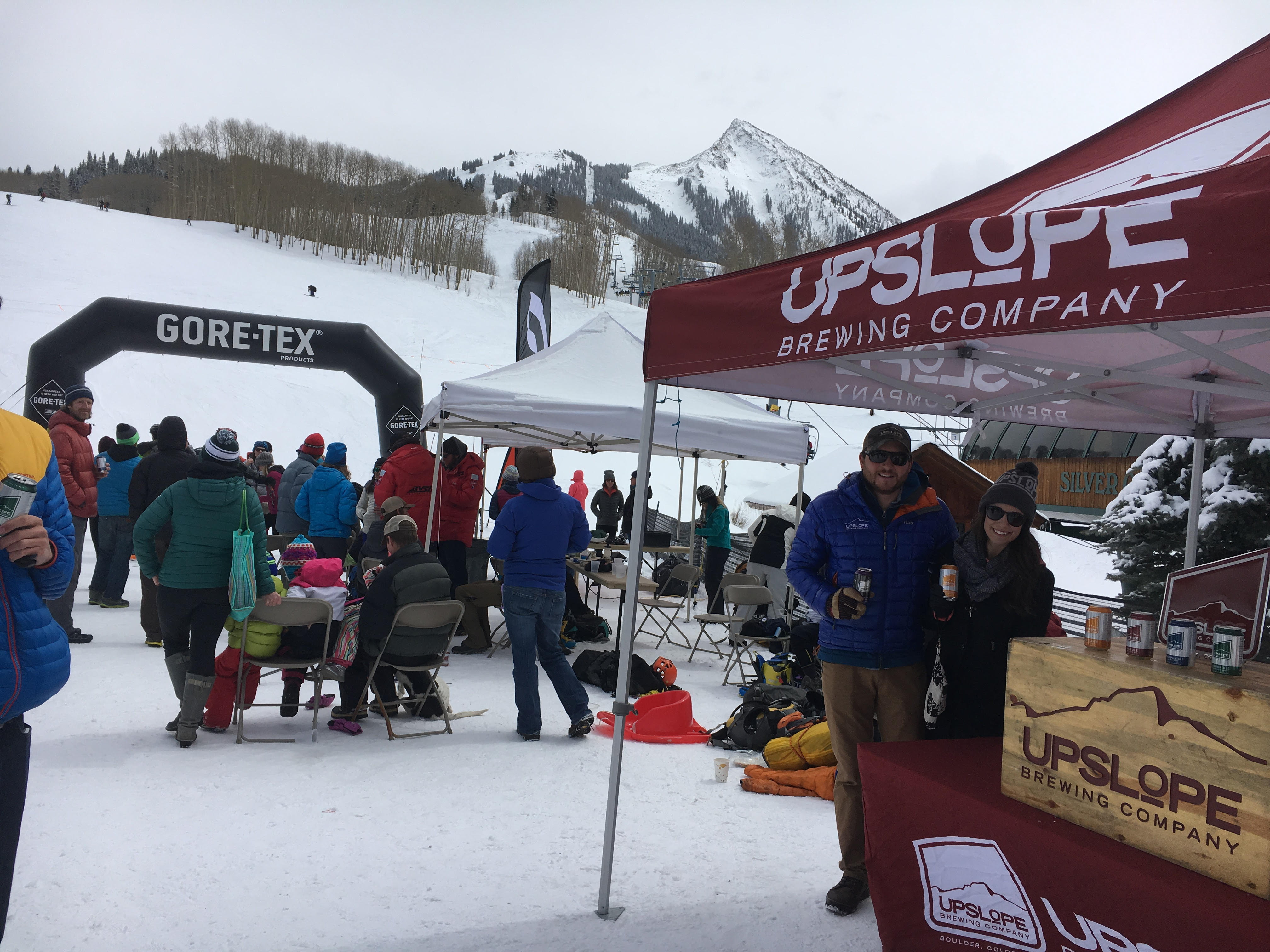 Upslope reps ready to hand out cans at the finish line!